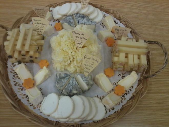 plateau, fromages découpés